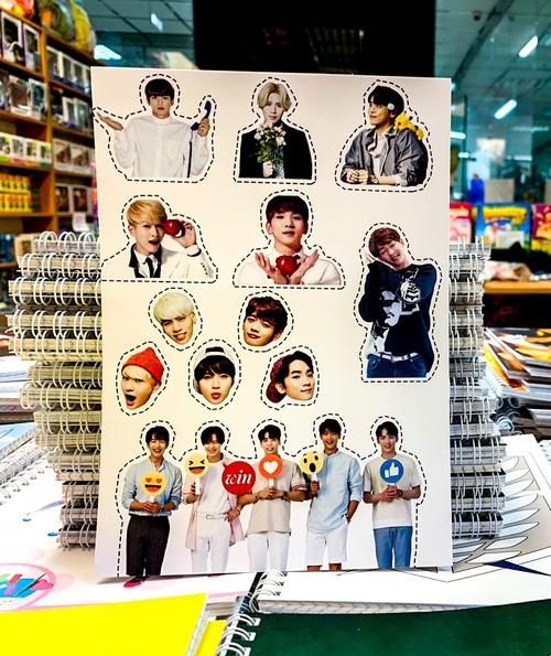 Лист наклеек Shinee