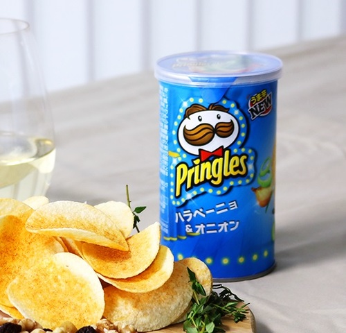 Чипсы Pringles со вкусом перца Халапеньо и лука