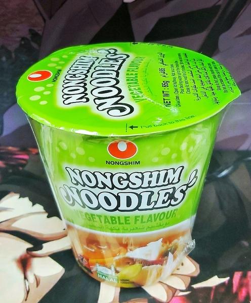 Лапша быстрого приготовления Нонгшим с овощами