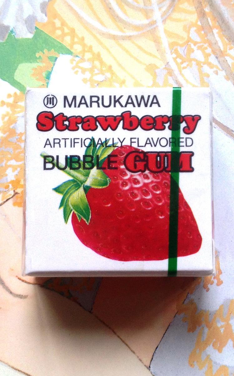 Жевательная резинка MARUKAWA (клубника)