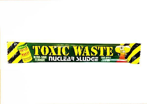 Жевательная конфета Toxic Waste со вкусом яблока