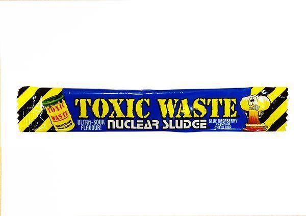 Жевательная конфета Toxic Waste со вкусом малины