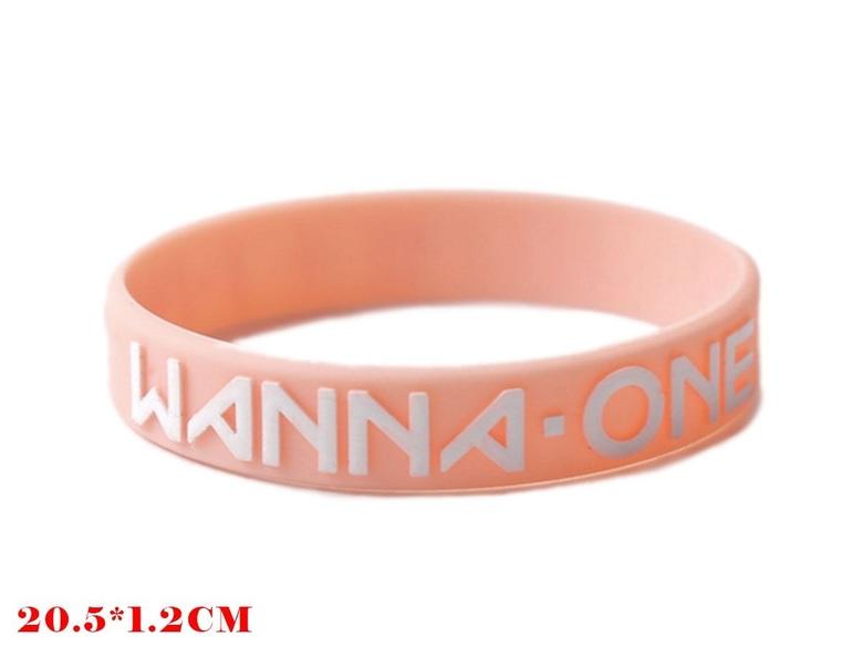 Браслет Wanna One