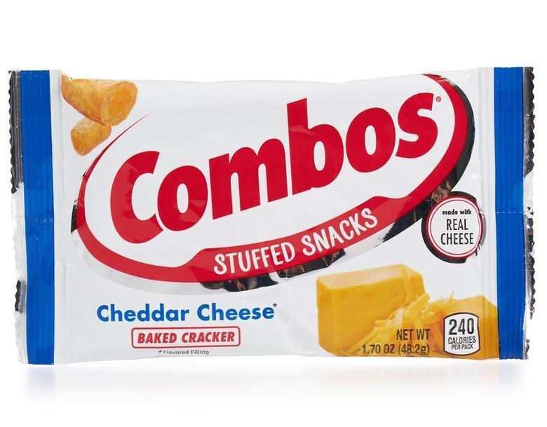 Запеченная закуска Combos со вкусом сыра чеддер
