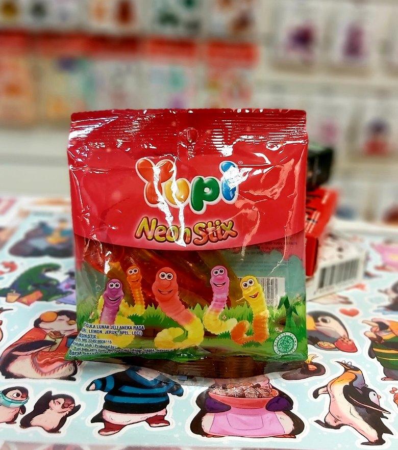 Жевательные конфеты Yupi Worms (Neon Stick)